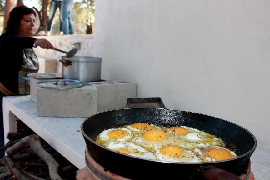Hunnutetut munat paistumassa